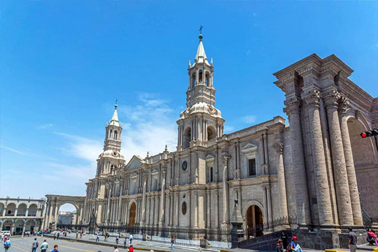 10 lugares que debes visitar en Arequipa