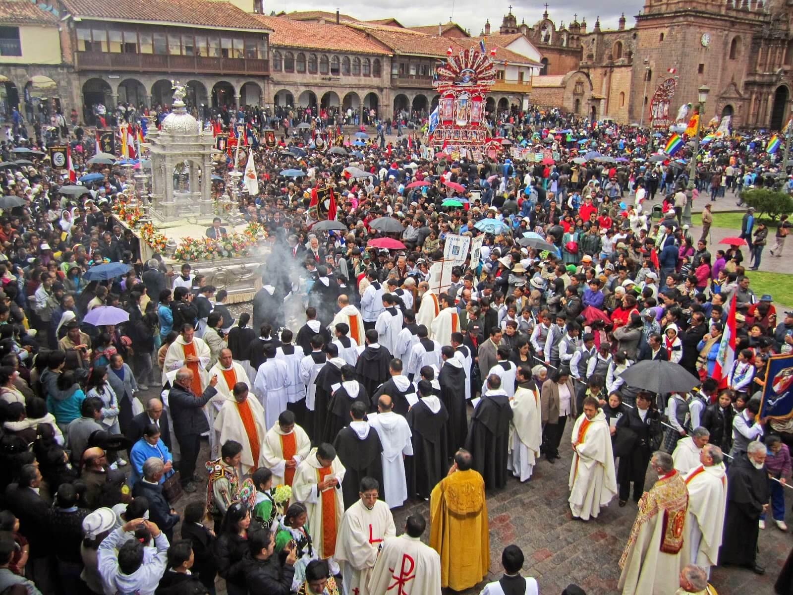 Festividad de Corpus Christi en Cusco