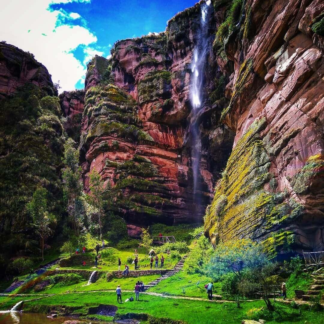 Farallones de Tecsecocha en Cusco