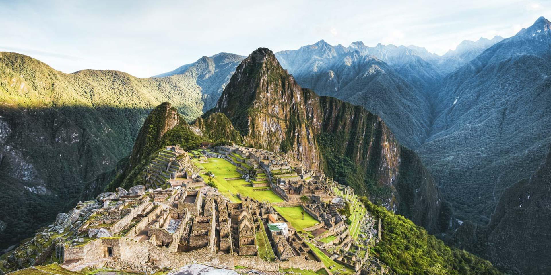 Foto portada Tour Valle Sagrado Machu Picchu Maras Moray Chinchero. Historia de Machu Picchu.