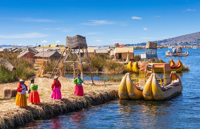 Islas flotantes de los Uros en Puno