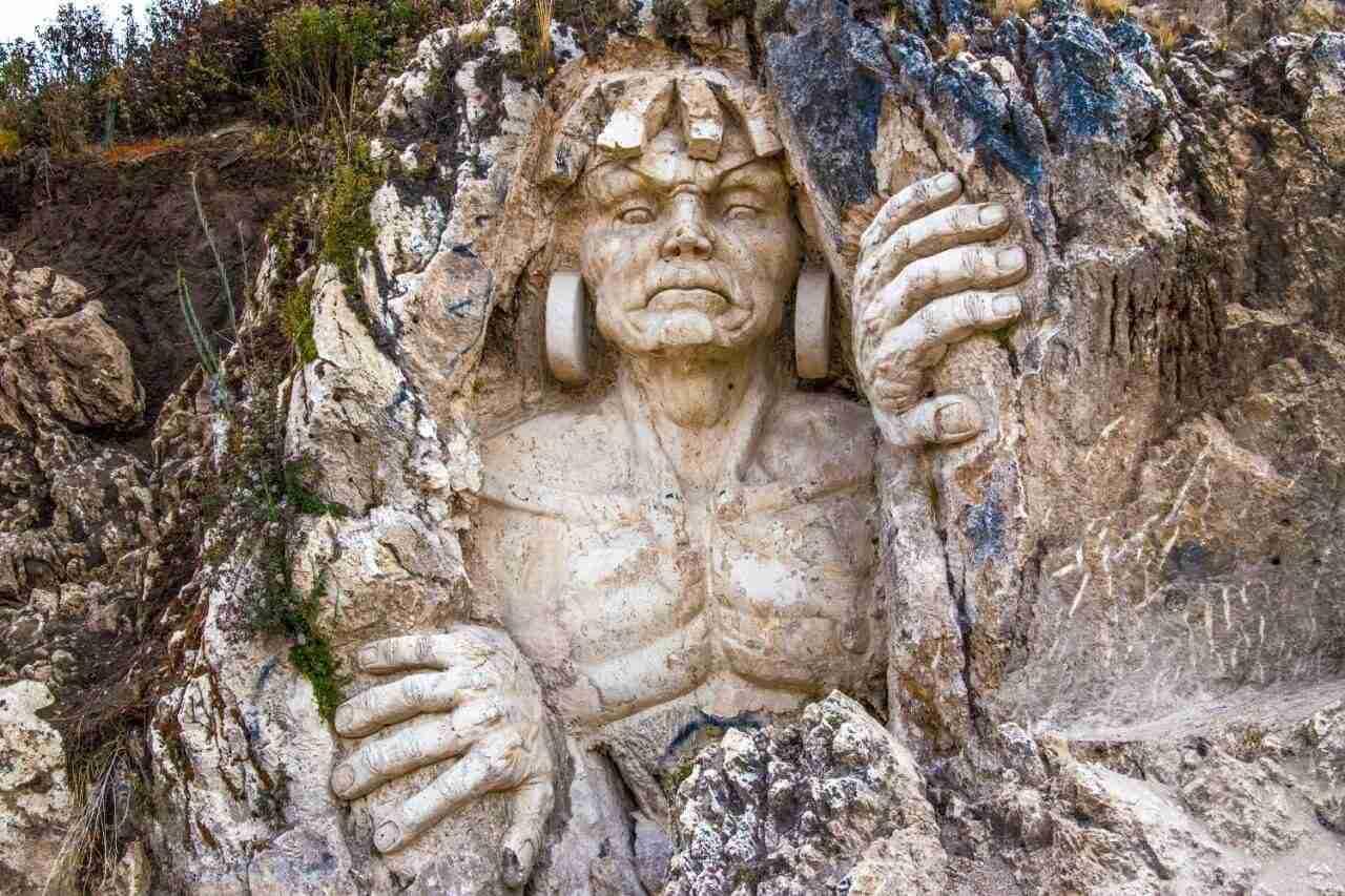 Apukunaq Tianan o Morada de los Dioses en Cusco