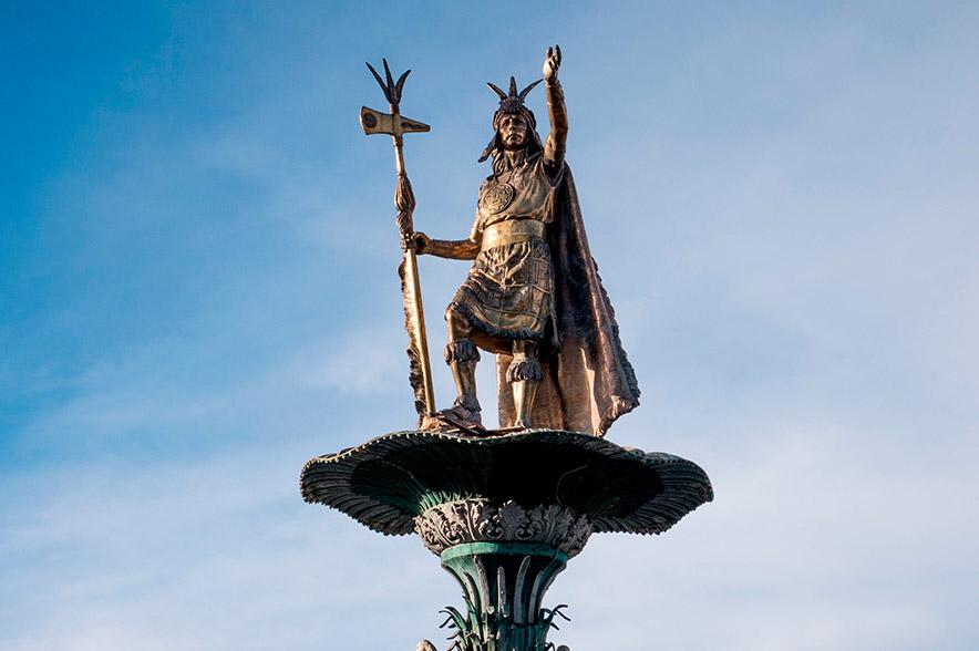 Monumento histórico en honor al Inca Pachacútec, en la ciudad del Cusco
