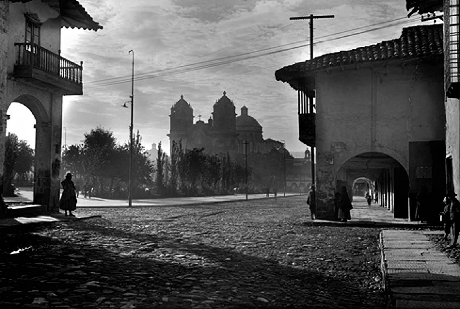 Los barrios mas antiguos de Cusco: La Plaza de Armas de Cusco en una foto antigua