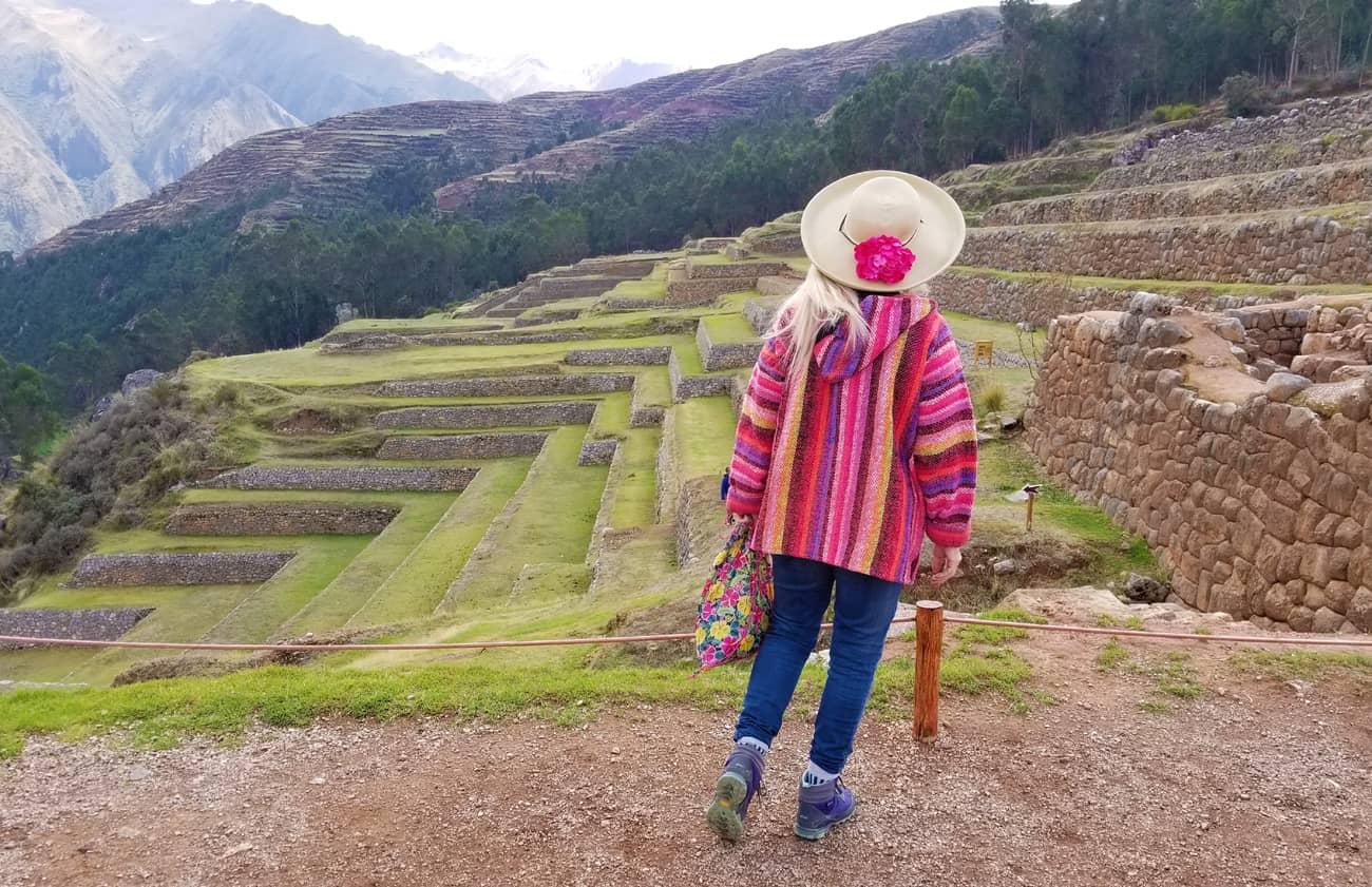 Descubre el increíble sitio arqueológico de Chinchero y sus costumbres