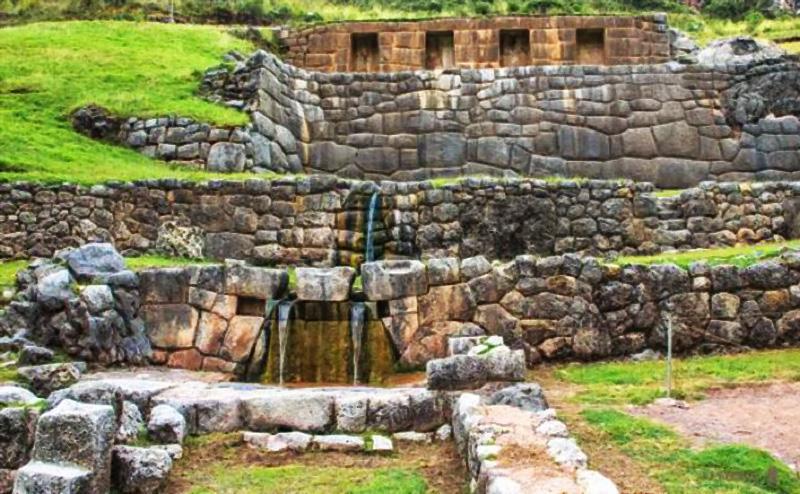 Tambomachay, los baños del inca, se encuentra a 7km del Cusco